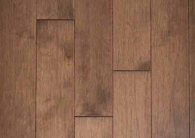 Natural select grade maple floor, varnished Équinoxe color