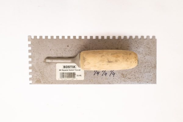Truelle à colle 9 x 4 po, dents carrée (1/4 x 1/4 po)